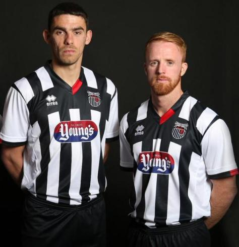 grimsby-town-kit-2015-16
