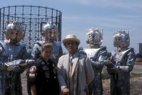 doctor_who_sophie_sylvester_mccoy_and_cybermen-in_publicity_shot_for_silver_nemesis